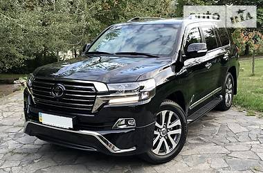 Toyota Land Cruiser 200 SPECIAL EDITION 2017