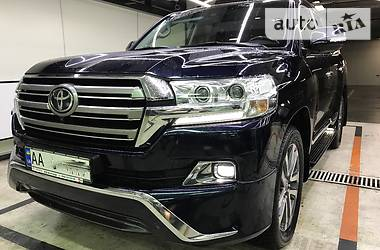 Toyota Land Cruiser 2017 года