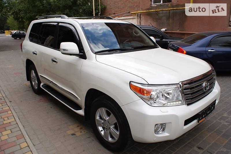 Toyota Land Cruiser 2015 року