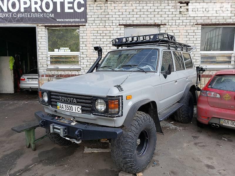 Toyota Land Cruiser 60