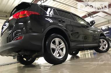 Toyota Rav 4 TURBO DIESEL_LOUNGE 2014