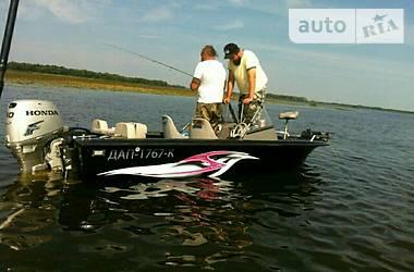 Tracker Fishin Barge  2013