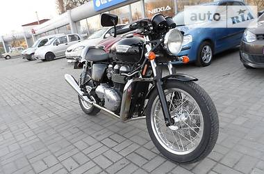 Triumph T THRUXTON 900 2010