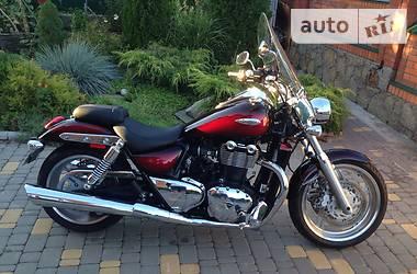 Triumph T  2010