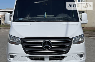 Характеристики Mercedes-Benz Sprinter 519 пас. Туристичний / Міжміський автобус