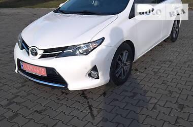 Характеристики Toyota Auris Унiверсал