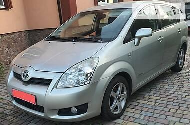 Характеристики Toyota Corolla Verso Унiверсал