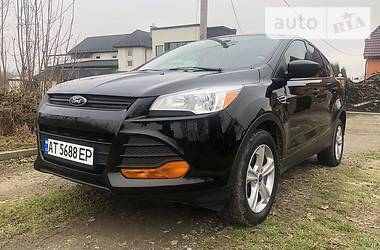 Характеристики Ford Escape Унiверсал