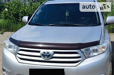 Характеристики Toyota Highlander Унiверсал