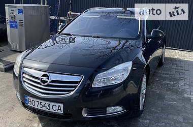 Характеристики Opel Insignia Sports Tourer Унiверсал