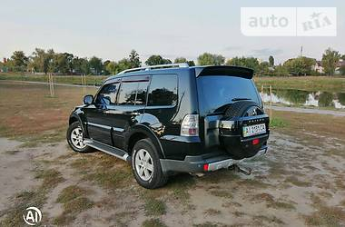 Характеристики Mitsubishi Pajero Wagon Универсал