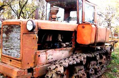 ВгТЗ ДТ-75  1993