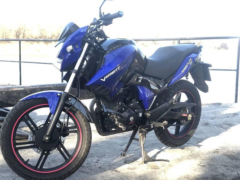 Мотоцикл Спорт-туризм Viper Magnum