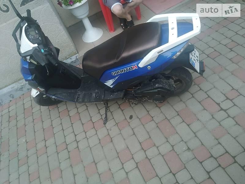 Макси-скутер Viper QJ