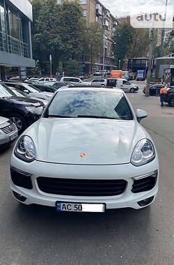Характеристики Porsche Cayenne Внедорожник / Кроссовер
