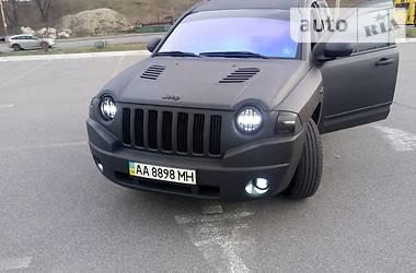 Характеристики Jeep Compass Позашляховик / Кроссовер