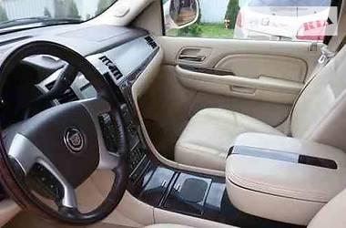 Характеристики Cadillac Escalade Позашляховик / Кроссовер