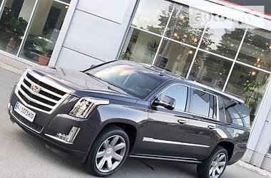Характеристики Cadillac Escalade Внедорожник / Кроссовер