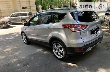 Характеристики Ford Escape Внедорожник / Кроссовер