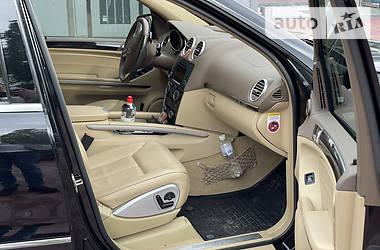 Характеристики Mercedes-Benz GL 500 Позашляховик / Кросовер