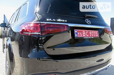 Характеристики Mercedes-Benz GLS 350 Позашляховик / Кросовер