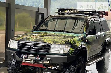 Характеристики Toyota Land Cruiser 105 Внедорожник / Кроссовер