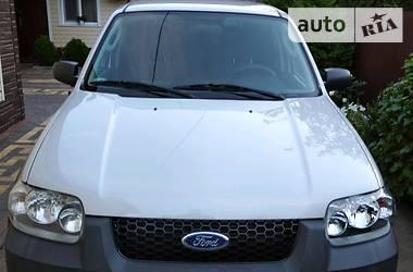 Характеристики Ford Maverick Позашляховик / Кросовер