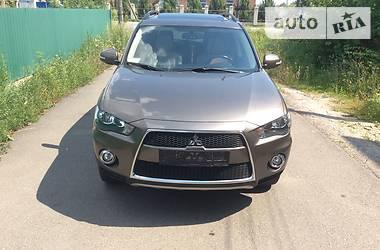Характеристики Mitsubishi Outlander XL Внедорожник / Кроссовер
