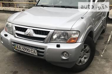 Характеристики Mitsubishi Pajero Wagon Внедорожник / Кроссовер