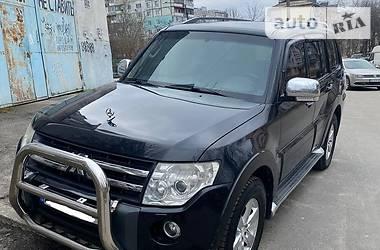 Характеристики Mitsubishi Pajero Внедорожник / Кроссовер