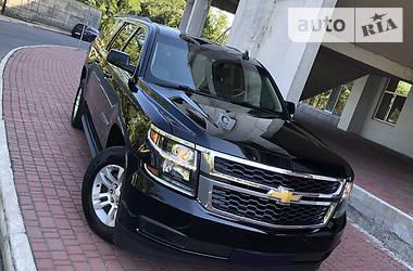 Характеристики Chevrolet Suburban Позашляховик / Кросовер