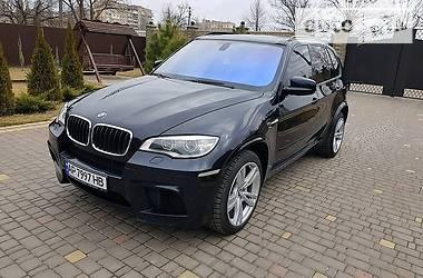 Характеристики BMW X5 M Позашляховик / Кросовер