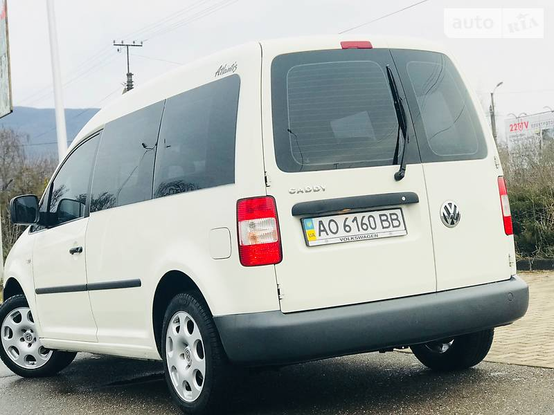 Volkswagen Caddy 2008 года