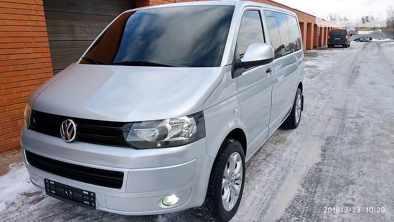 Volkswagen Caravelle 2012 года