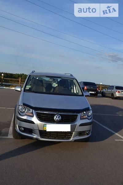 Универсал Volkswagen Cross Touran