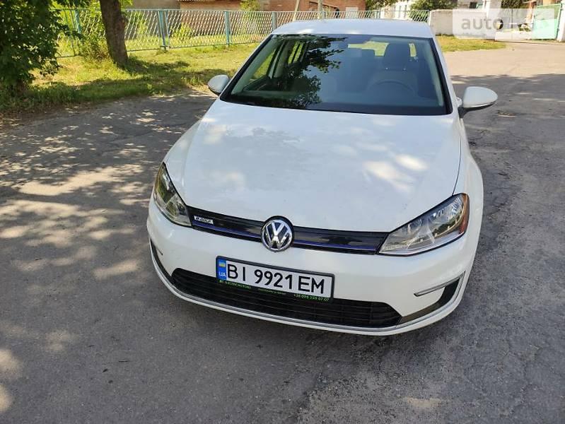 Седан Volkswagen e-Golf