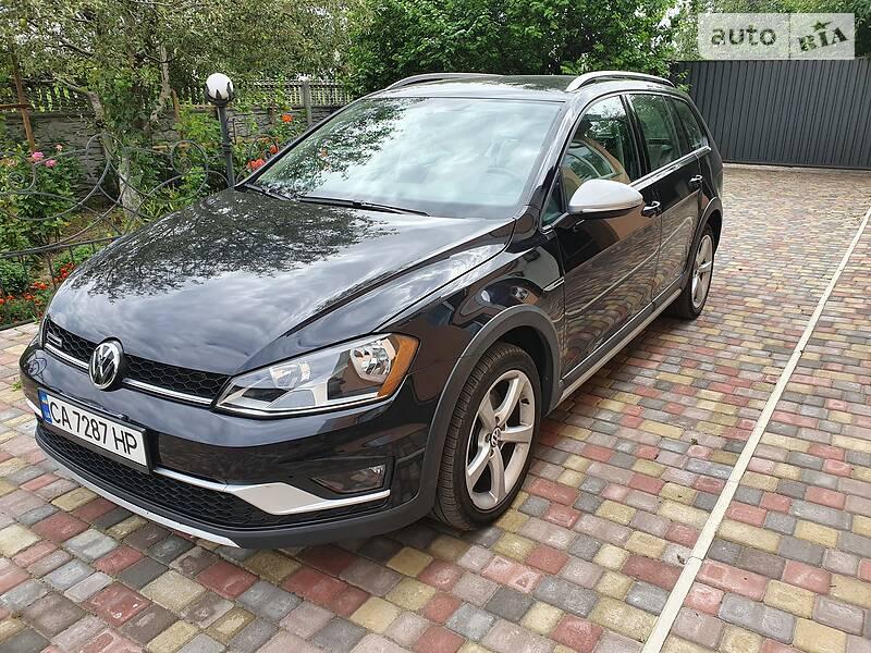 Универсал Volkswagen Golf Alltrack