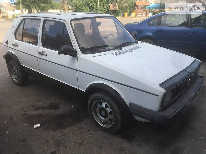 Седан Volkswagen Golf I
