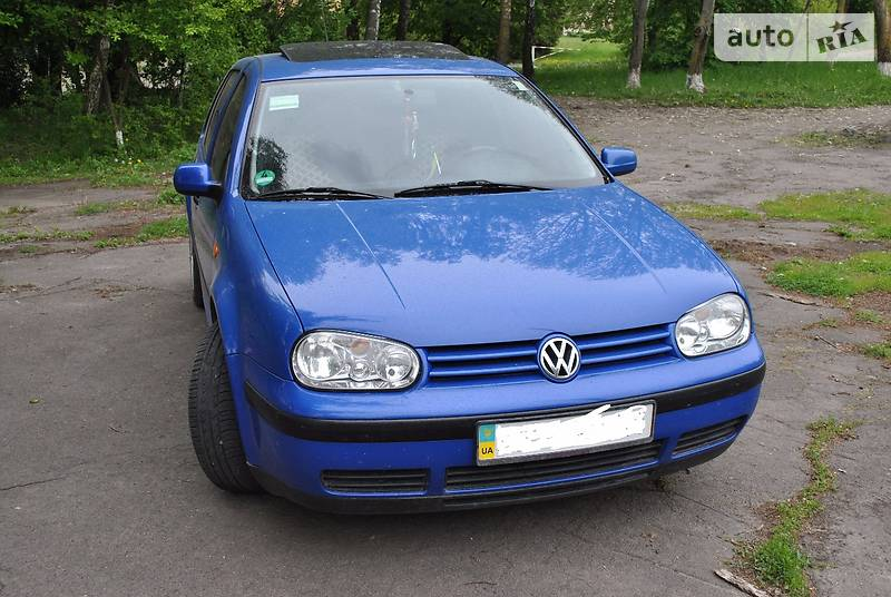 Volkswagen Golf 1998 року