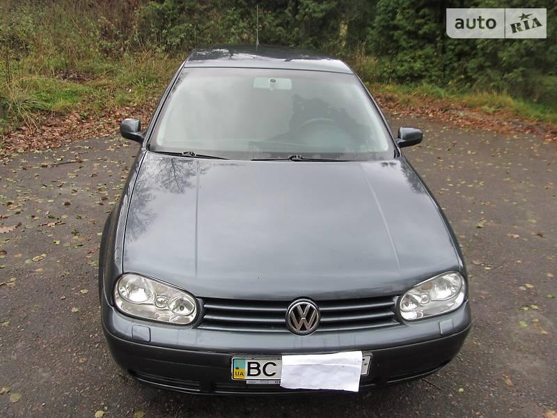 Volkswagen Golf 2003 року