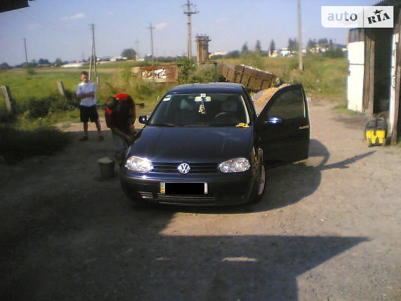Седан Volkswagen Golf IV