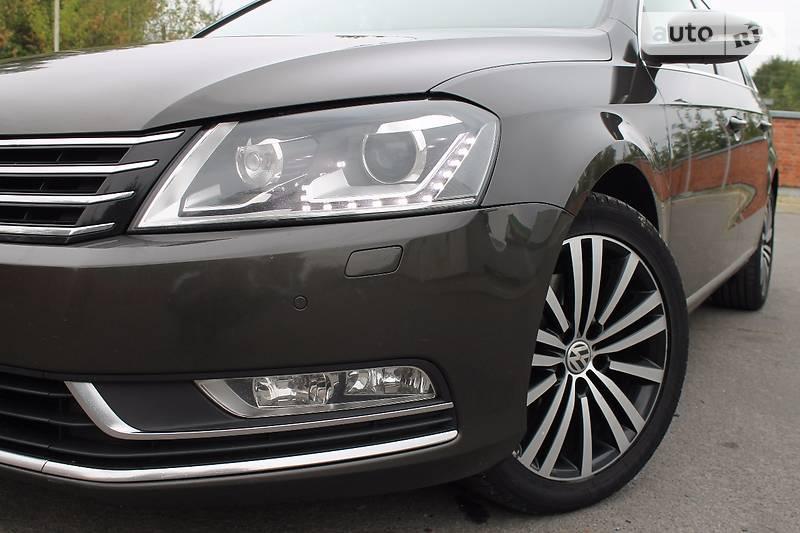 Volkswagen Passat 2012 року