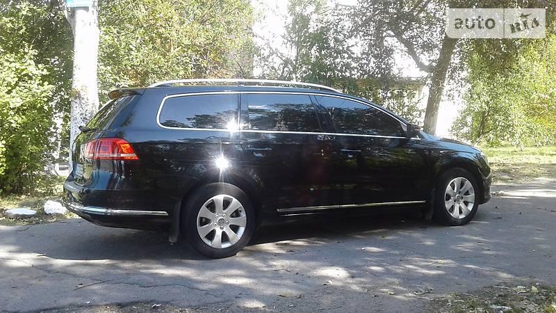 Volkswagen Passat 2011 року