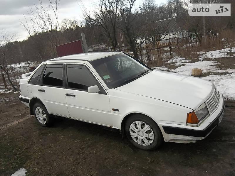 Volvo 440 1991 року