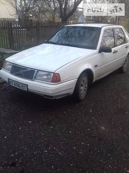 Volvo 440 1990 року