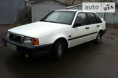 Volvo 440 440   1993