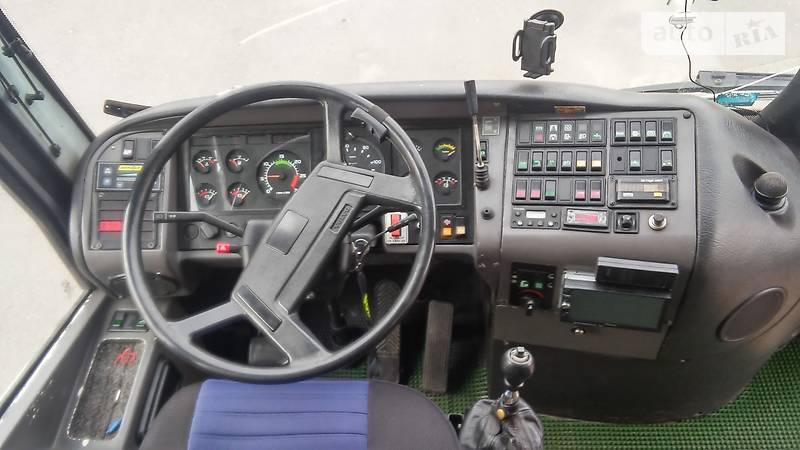 Volvo B 12