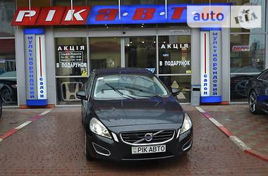 Volvo S60  2.4D5 AT Summum  2010