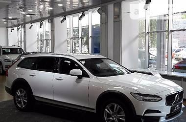 Volvo V90 Momentum 2017