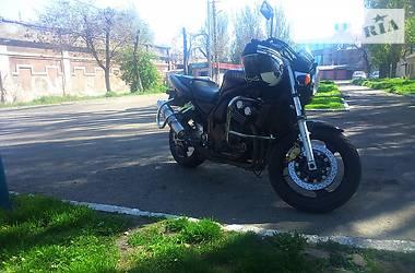 Yamaha FZ  2000